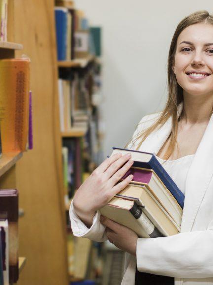 Kíváncsi vagy a segédkönyvtáros fizetésére? Itt megtudhatod a választ.